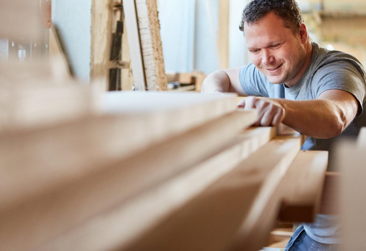 contractor choosing lumber