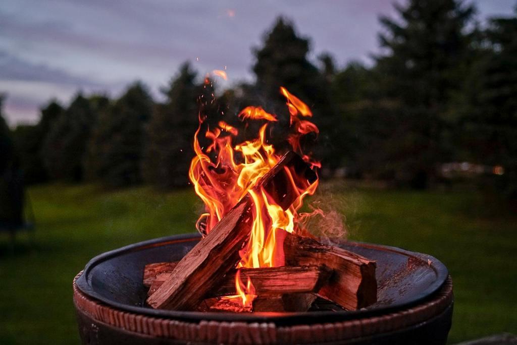 outdoor backyard firepit in barrel